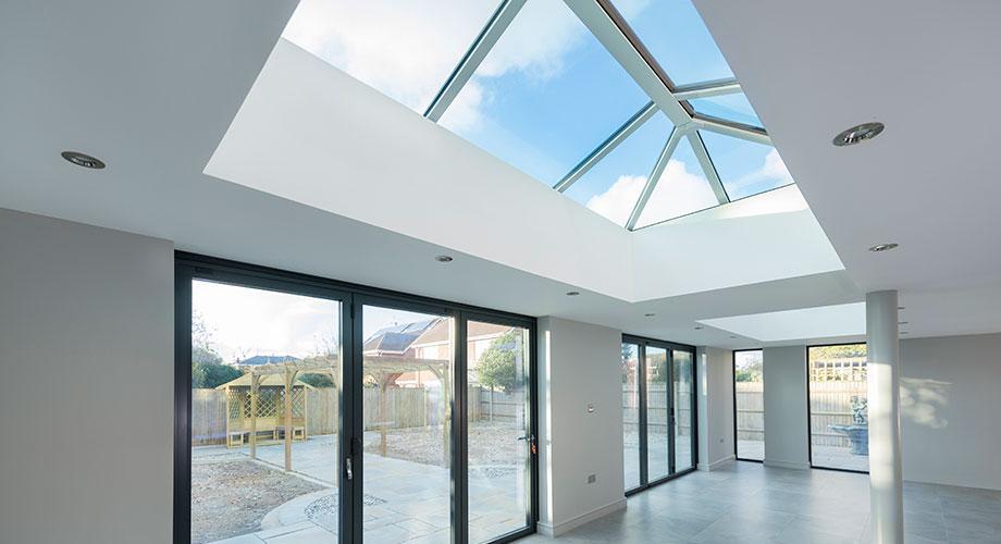 stratus roof